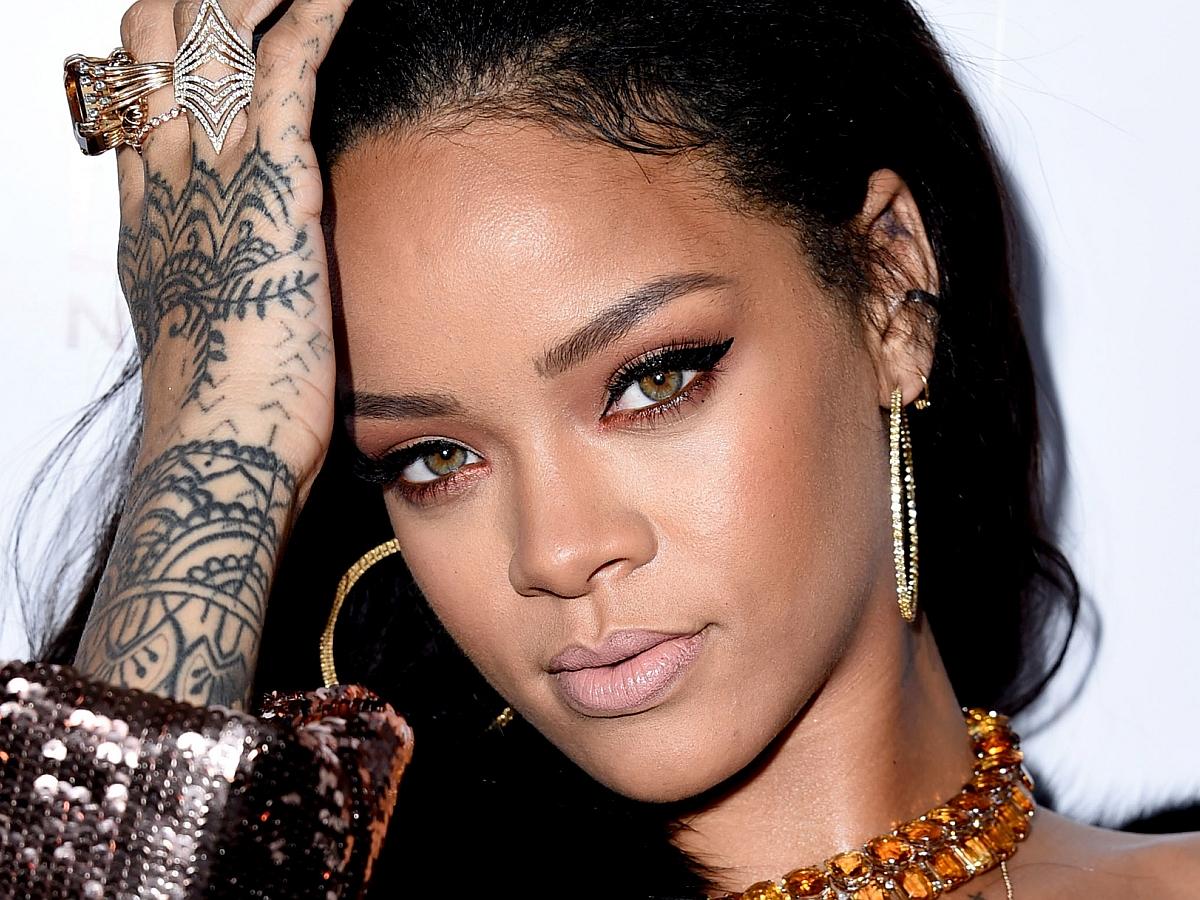 Rihanna-3b